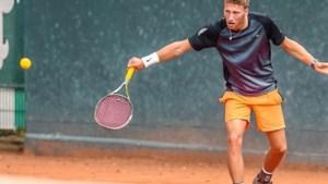 Sjeng Schalken biedt vluchtweg voor tennisser Mats Hermans
