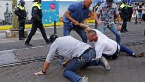 ME grijpt in bij protest tegen lockdown in Den Haag