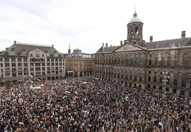 Halsema over kritiek op massabijeenkomst: 'We hadden dit aantal niet verwacht'