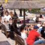 Video: Horeca-ondernemers euforisch bij opening van terrassen