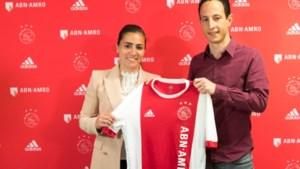 Maastrichtse voetbalster Lewerissa verlengt contract bij Ajax