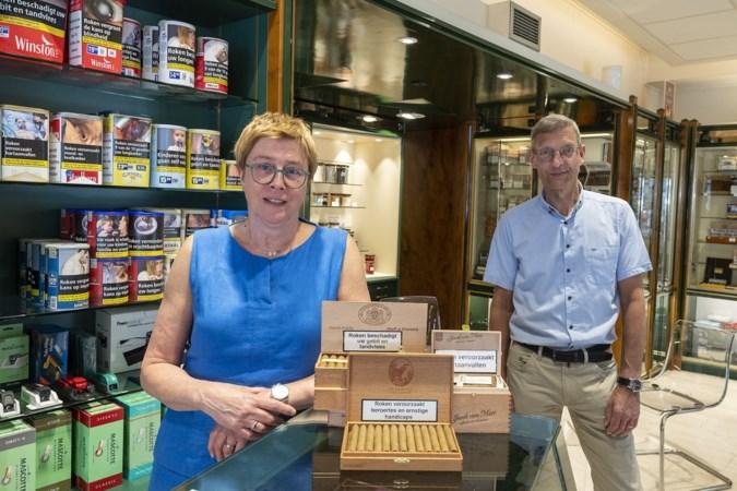 Het honderdste jaar op de Hamstraat is meteen het laatste voor Roermondse sigarenspeciaalzaak