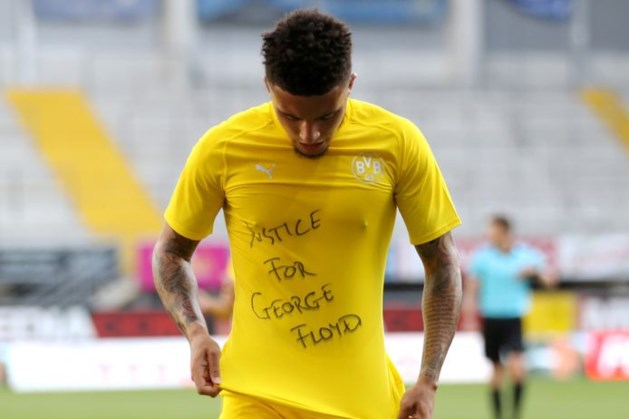 Voetbalbond FIFA: geen straffen opleggen voor steunbetuigingen Floyd