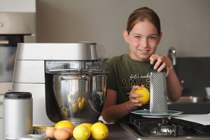 Tienjarige winnares bakwedstrijd heeft geen tips van mama nodig