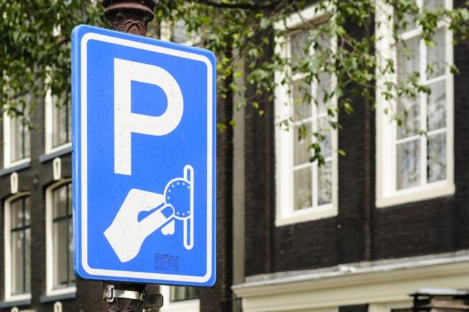 Aan buitenlanders opgelegde parkeerboetes steeds lastiger te innen, constateert gemeente Roermond