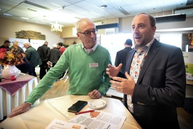 Schooljeugd in gesprek met wethouder Ruud Braun