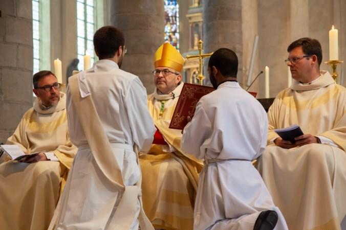 Maastrichtse kapelaan in besloten kring tot priester gewijd