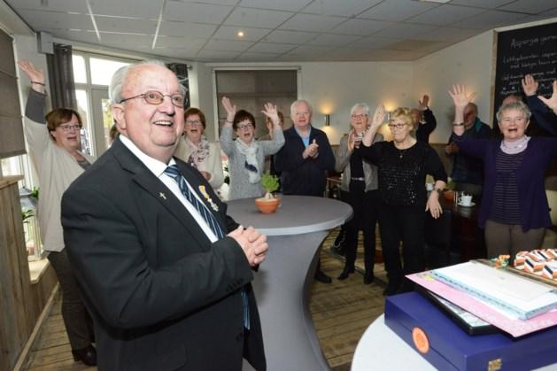 Erehaag van Kessel-Eik tot Kessel voor pastoor Louis Verhaag