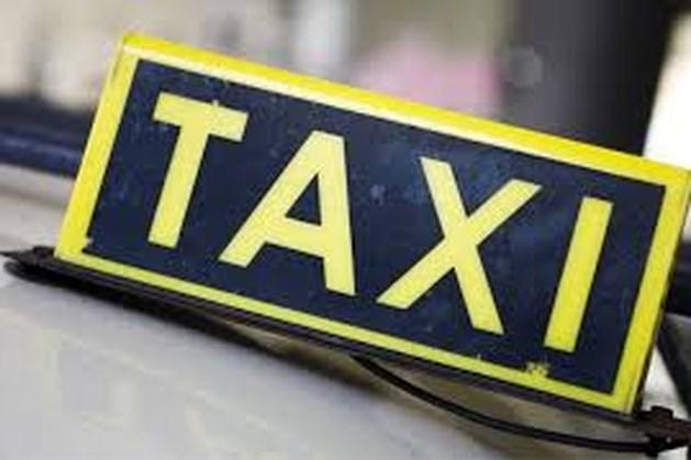 FNV: 'Meeste taxichauffeurs denken te moeten stoppen'