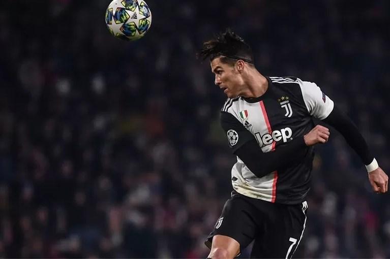 Cristiano Ronaldo eerste voetbalmiljardair