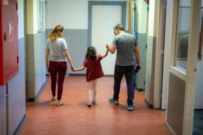 Vluchtelingen in Limburgse azc's wachten maandenlang op asielprocedure