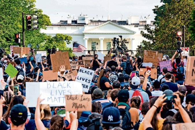 Machtsvertoon trekt meer demonstranten