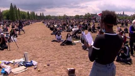 Video: Protest tegen racisme in Maastricht rustig verlopen