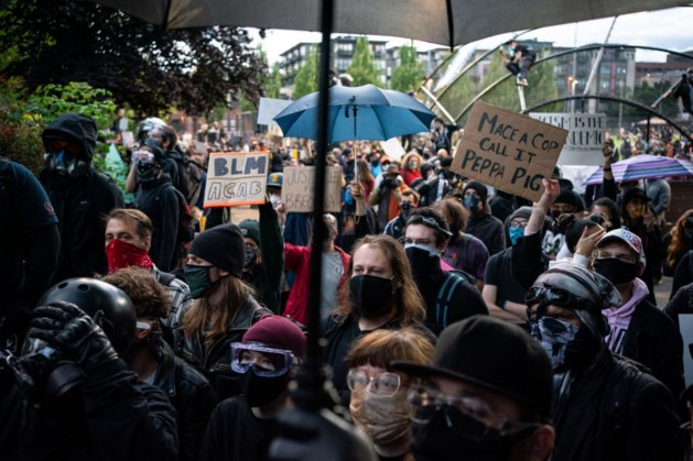 Man rijdt in op demonstratie in Seattle, diverse gewonden