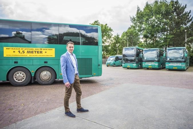 Busondernemers houden regels in acht: liever de klant in de bus dan de politie
