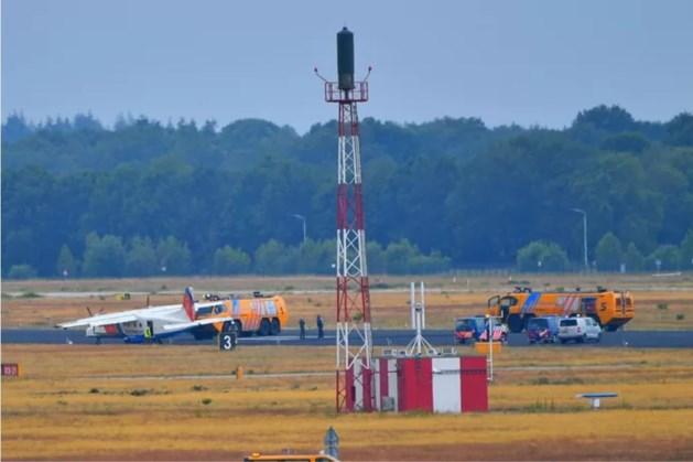Klapband voor vliegtuig kustwacht op Eindhoven Airport, piloot zet toestel veilig aan de grond
