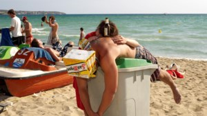 CNV-onderzoek: vrees voor nieuwe coronagolf na vakantie in buitenland