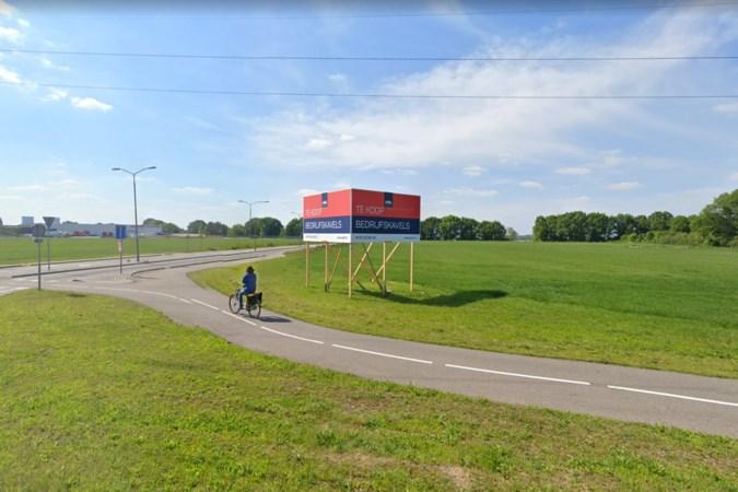 Plan voor twee grote distributiehallen op De Grinderij tussen Roermond en Linne