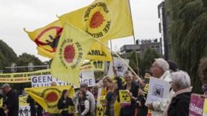 Flashmob in Maastricht als protest tegen opslag Belgisch kernafval