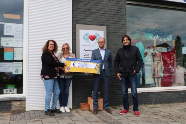Lions doneren 1500 euro aan Éngele van Zitterd-Gelean