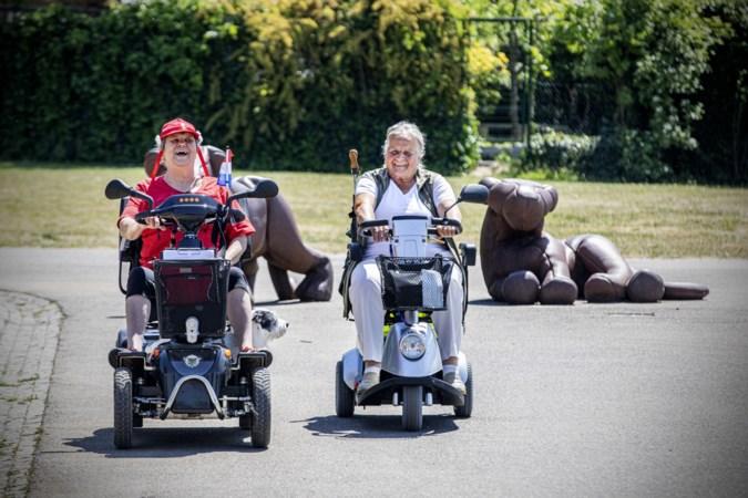 Agnes (70) uit Maastricht voert nieuwe scootmobielclub aan: een ritje in de natuur haalt je uit de sleur