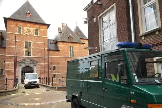 Belg (38) mishandelt pasgeboren baby: 'Zonder de coronalockdown was dit niet gebeurd'