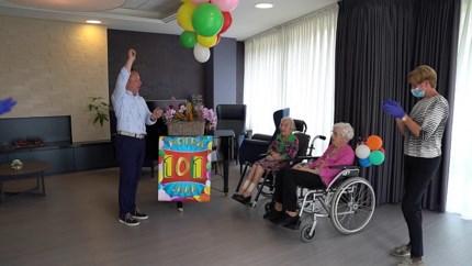 Video: Hamboskliniek in Kerkrade verrast oudste bewoners (101) met privéconcert