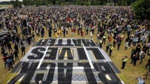 10.000 mensen bij tweede protest tegen racisme in Amsterdam: 'Weg met Zwarte Piet!'