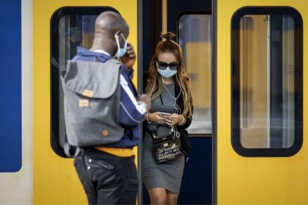TERUGLEZEN   'Maak openbaar vervoer weer beschikbaar voor iedereen'