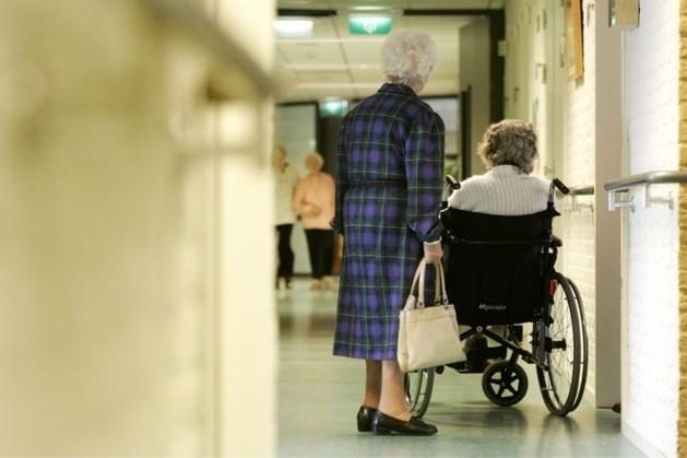 Geen besmettingen verpleeghuizen waar versoepelde bezoekregeling werd getest