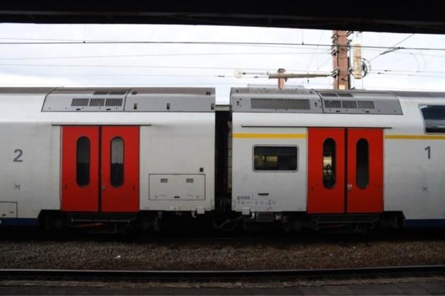 Stenengooiers betrapt tijdens bekogelen van rijdende treinen in Tongeren