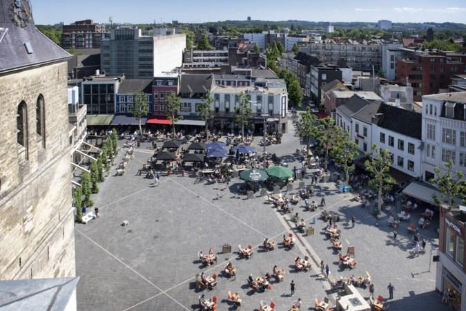 Gemeente Heerlen bekijkt of grotere terrassen op Pancratiusplein ook na coronacrisis kunnen