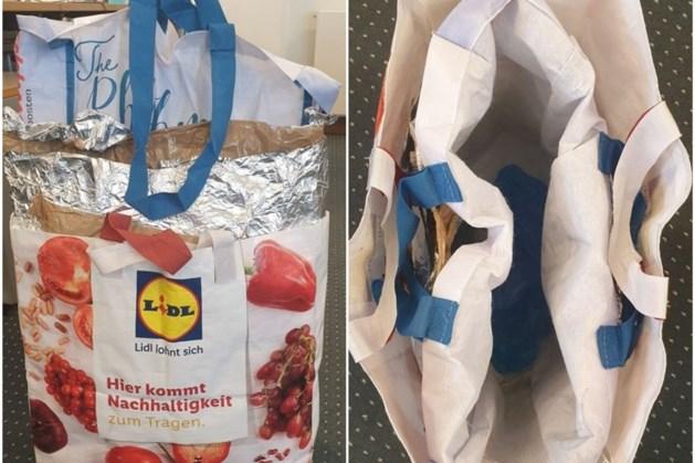 Winkeldieven actief met tassen die detectiesysteem omzeilen
