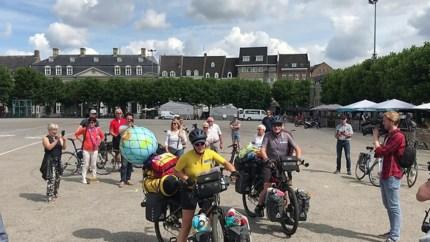 Video: Maastrichtenaren vertrokken voor fietstocht van zeven jaar