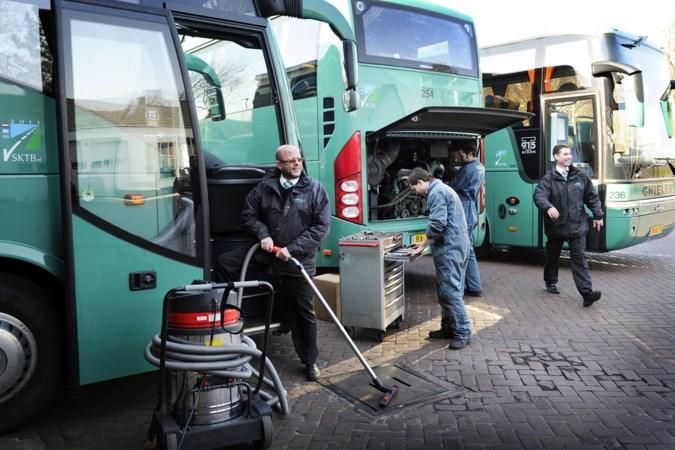 Demonstratie touringcarbedrijven: 'Voortbestaan sector bedreigd'