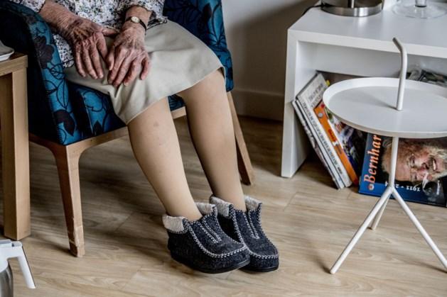 UM: Corona maakt ouderen eenzamer, maar ook behulpzaam én creatief