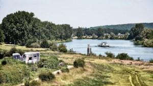 Een hogere muur van water houdt het grondwater uit de Maas