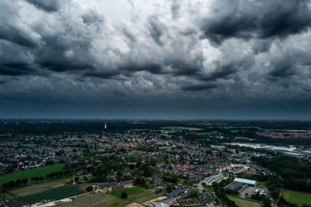 Code geel in Limburg: waarschuwing voor pittige onweersbuien en wateroverlast