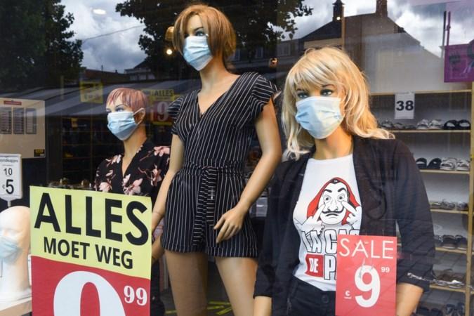 Zwaar getroffen kledingbranche zoekt naarstig naar oplossingen