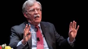 Trump sleept voormalige adviseur Bolton voor de rechter om boek tegen te houden
