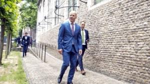 Staatssecretaris Knops mocht groter bouwen dan regels toestonden