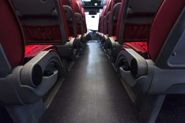 Boze busbedrijven rijden in colonne naar het Malieveld