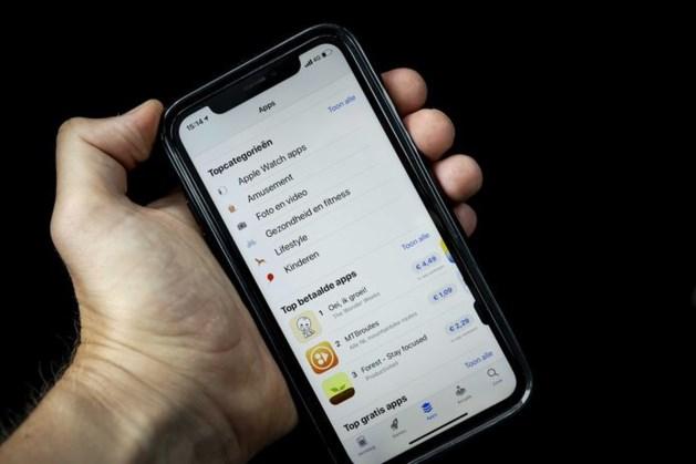 Vijf hardnekkige techmythes: is het schadelijk je telefoon in de lader te laten als hij 100 procent vol is?