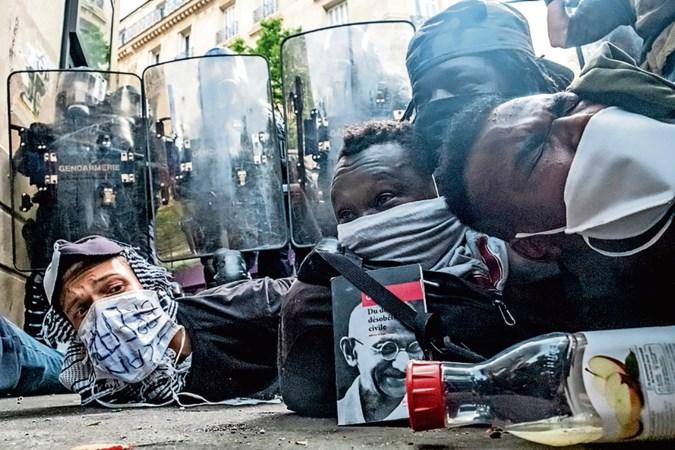 'Franse politie discrimineert en maakt zich schuldig aan machtsmisbruik'