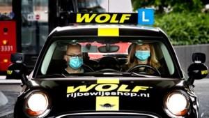 Verbod op 'coronascherm' tussen bestuurder en bijrijder in auto