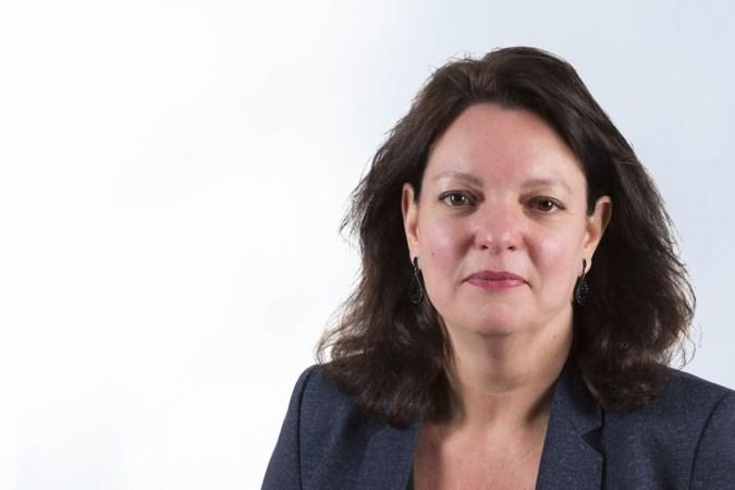 'Een muilkorf is nodig voor Johan Derksen'