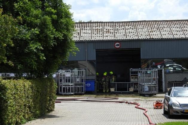 Alarm om ontploffingsgevaar bij buitenbrand tuindersbedrijf