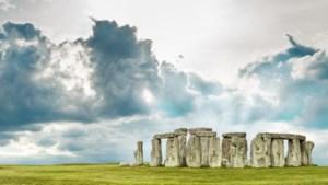 Grote cirkel van schachten ontdekt bij Stonehenge