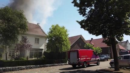 Video: Woning onbewoonbaar na flinke brand