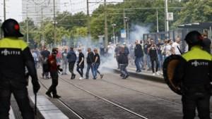 Grapperhaus haalt uit naar hooligans: 'Ik weet niet wat voor rotzooi ze allemaal hebben gebruikt'